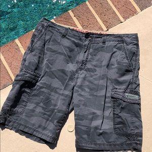 Union bay men's gray camo cargo shorts